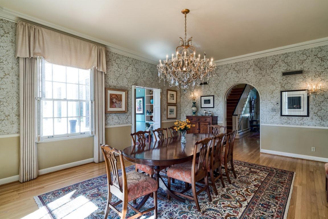 3209 N Manor Dr W - Formal Dining
